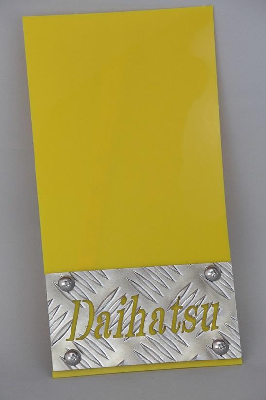 アルミシマ板にDaihatsuの文字を切り抜いた 高品質の泥除けセットです お求めやすく価格改定 軽トラ リアフェンダー用 タレゴム ウェイトセット お買い得品 Lセット ダイハツ文字抜きALシマ板 R