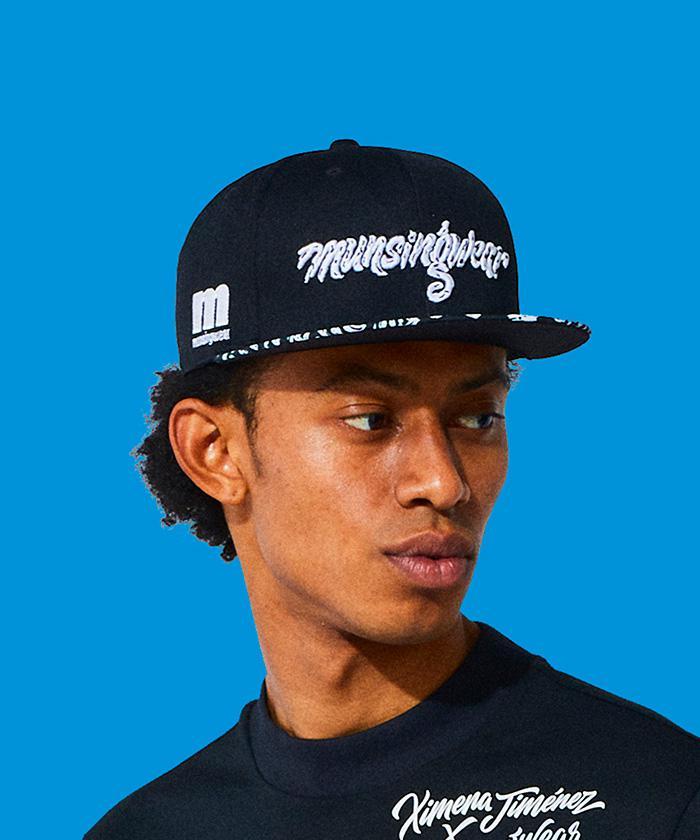 マンシング ショップ 公式 マンシングウェア ENVOY Ximena Jimenezコラボ 平ツバキャップ メンズ ゴルフウェア MEBSJC02 スポーツウェア 小物 アクセサリー キャップ 帽子 低価格 ゴルフ