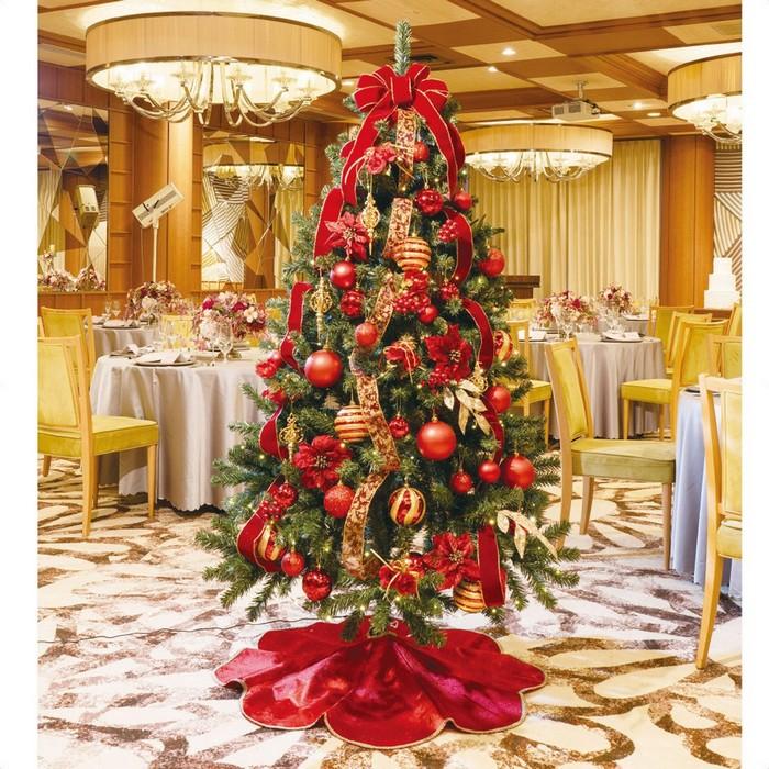 大人っぽいワインレッドにビロードリボンがオシャレ。赤のスカート付きで足元まで華やかさたっぷり。クリスマスツリー  クリスマスツリー クリスマス おしゃれ オーナメント 北欧 LED 210cm 飾り 送料無料 ツリーセット ワインレッド H210cm×W120cm 1台