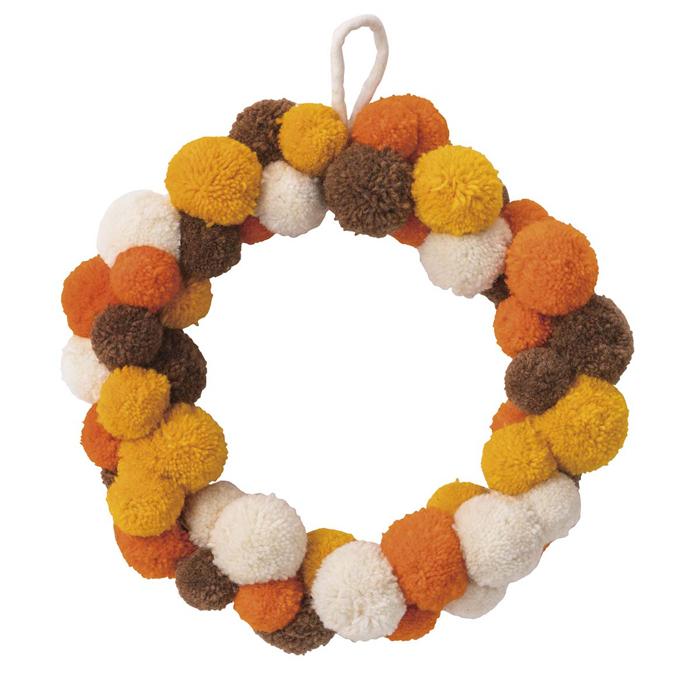 送料無料 秋 装飾 飾り 雑貨 オブジェ 造花 ディスプレイ  ポンポンリース 33cm 1個ネパールのレーヨンポンポンを使った温かみのあるかわいい秋色のポンポンリースです。吊るすだけ、簡単!秋の店内装飾や幼稚園におすすめです。秋 装飾 飾り 雑貨 オブジェ 造花 ディスプレイ