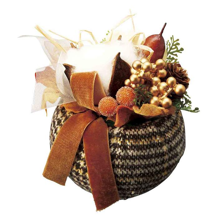 送料無料 ハロウィン 装飾 飾り 造花 お求めやすく価格改定 雑貨 インテリア ディスプレイ 置くだけで簡単に飾れます 2020 新作 コットン パンプキンオータムアレンジ 1個おしゃれな格子柄のハロウィンにぴったりのアレンジです インテリアや店内装飾にも