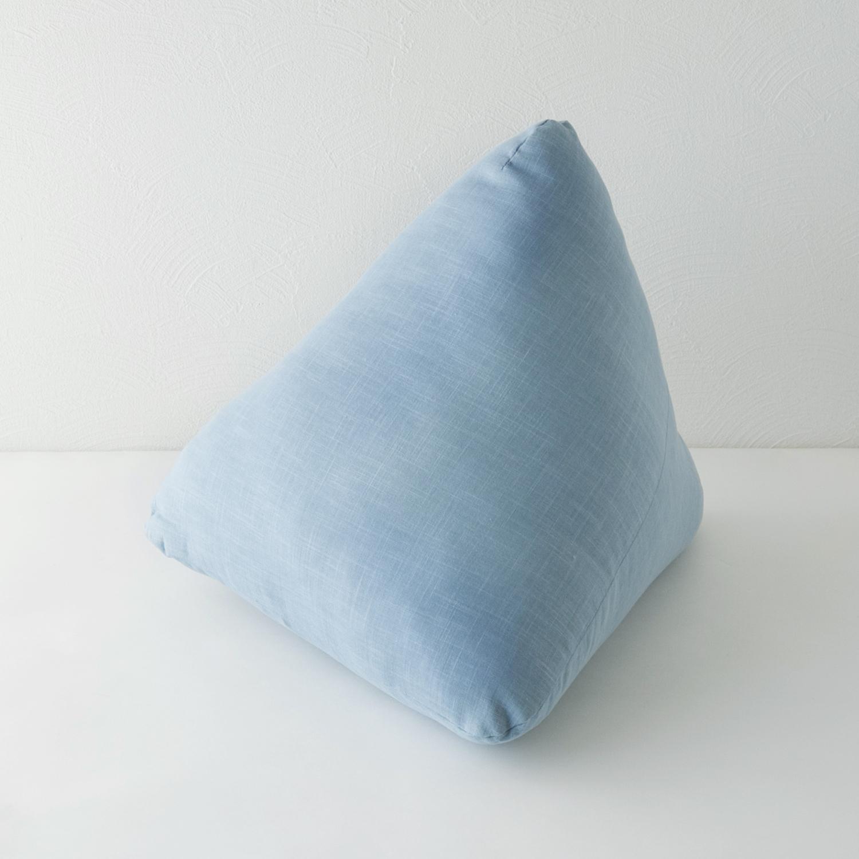 三角枕が助ける読書の時間 スピード対応 全国送料無料 Platz 有名な 空 三角枕