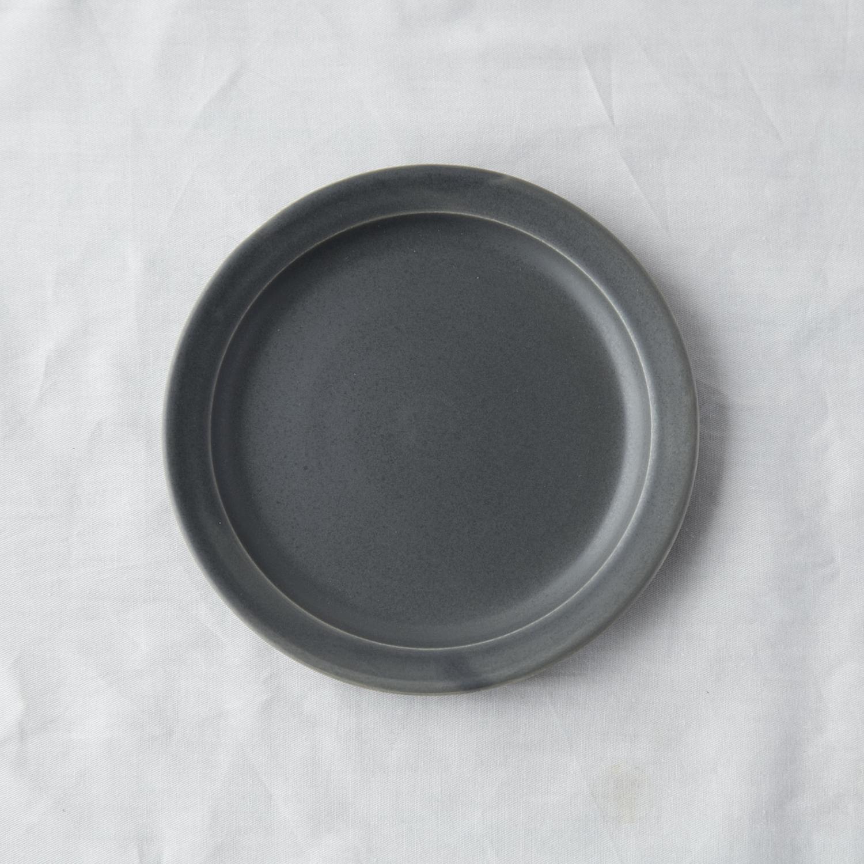 当店限定 繊細なブルーグレーが料理を引き立てます SAKUZAN 至上 ダークグレー Sara ソーサー ショッピング