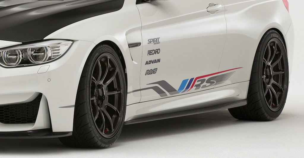 VARIS SIDE DIFFUSER SKIRTS BMW F82 M4用