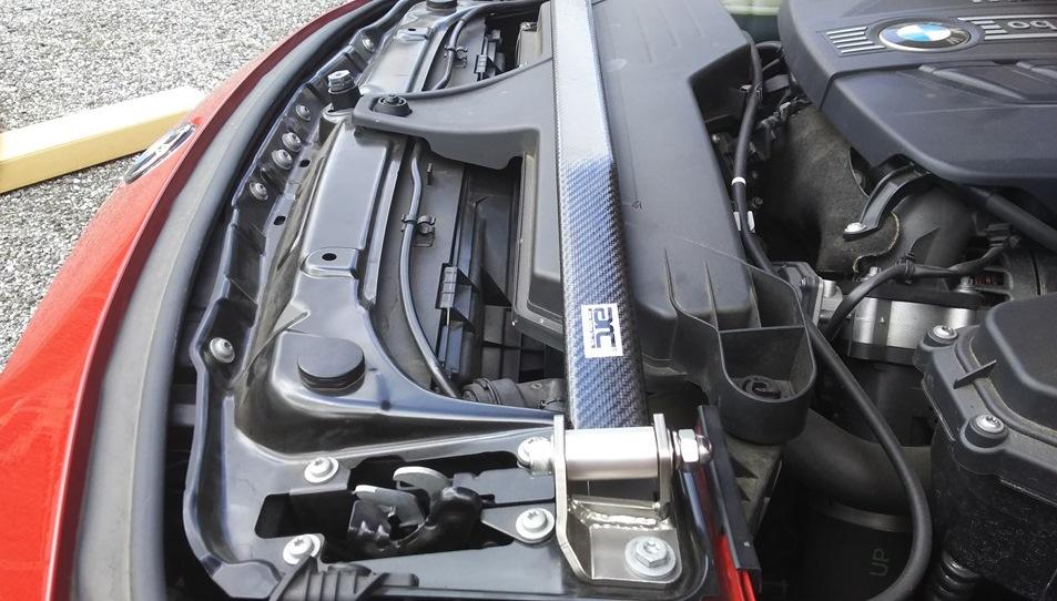 arc トップブレースバー(カーボン・ハイブリッド製)for BMW
