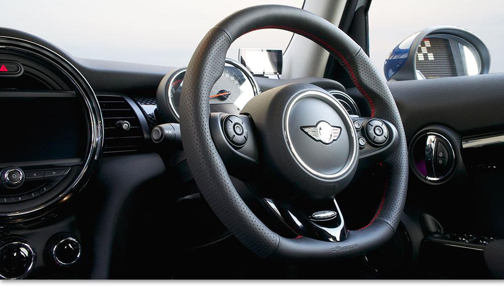 AMSECHSスポーツステアリング For BMW MINI R55 R56 R57 R58 R59 R60 R61