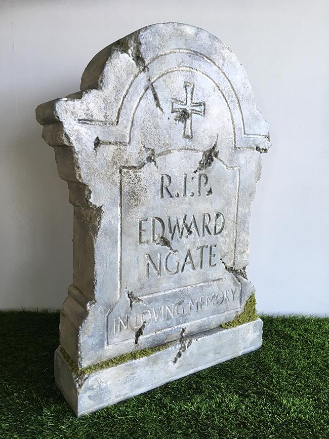 洋風墓石 (M-1) 撮影 ディスプレイ 置き物 石 墓石 墓標 墓地 十字架 雑貨 装飾 ハロウィン ホラー オブジェ 【送料無料】