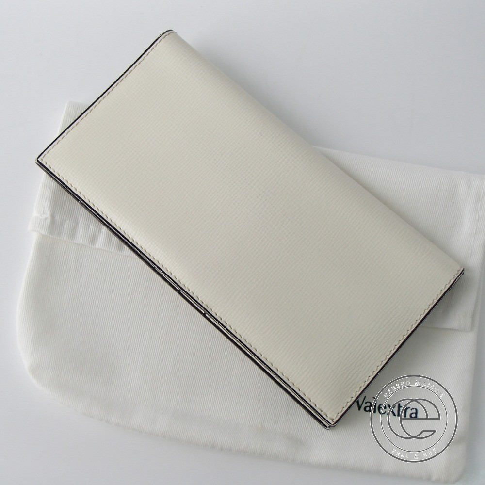 Valextraヴァレクストラ V8L21028 ヴァーティカル 12カード 二つ折り長財布(小銭入れなし)ホワイト 【中古】