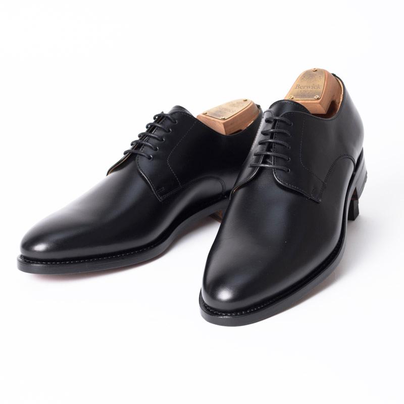 Berwick1707   バーウィック 3011 ラスト 156 ビジネスシューズ ビジネス 小さいサイズ 大きいサイズ 本革 皮靴 靴 通気性 送料無料 交換無料 外羽根 黒 ブラック カーフレザー×レザーソール メンズ プレーントゥ