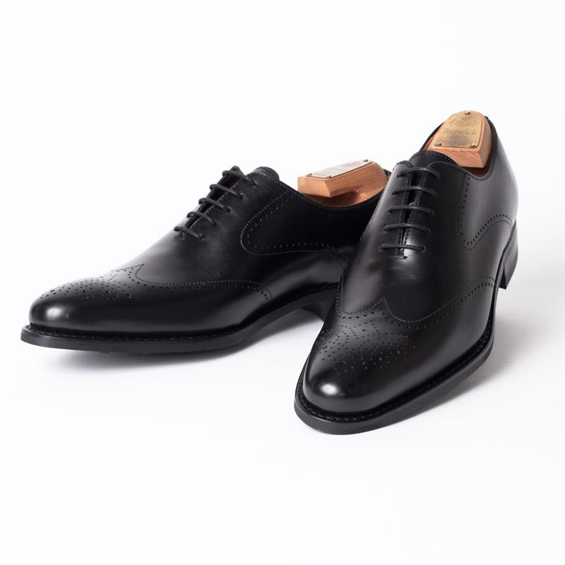 Berwick1707   バーウィック 3811 ラスト 145 ビジネスシューズ ビジネス 小さいサイズ 大きいサイズ 本革 皮靴 靴 通気性 送料無料 交換無料 雨 雪 滑り止め ダイナイト 黒 ブラック メダリオン カーフレザー×ダイナイトソール メンズ ウイングチップ