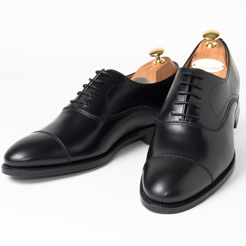 Cordwainer | コードウェイナー SLOUGH ビジネスシューズ ビジネス 紳士 小さいサイズ 大きいサイズ 本革 皮靴 靴 内羽根 通気性 送料無料 交換無料 グッドイヤーウェルト 黒 ブラック スペイン製 ブラックボックスカーフ×レザーソール メンズ ストレートチップ