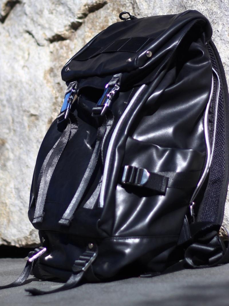 RATTLE TRAP 雨蓋フラップ付きバックパック メンズ ビギ バッグ【送料無料】