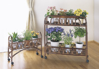 アジアンテイスト 籐製フラワーラック大 小2点セット高級ラタンフラワースタンドお花が映えるオシャレなフラワースタンド