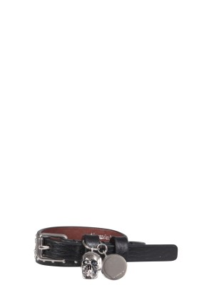 ALEXANDER 「SKULL」レザーブレスレット 【海外直送】 【正規取扱店】【送料無料】 McQUEEN メンズ 554466_CNDBY1000 アレキサンダー・マックイーン