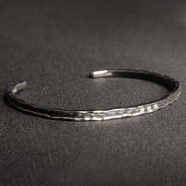 Per noi ペルノイ バングル ブレスレット K18 2mm幅 ホワイトゴールド ダイヤモンド