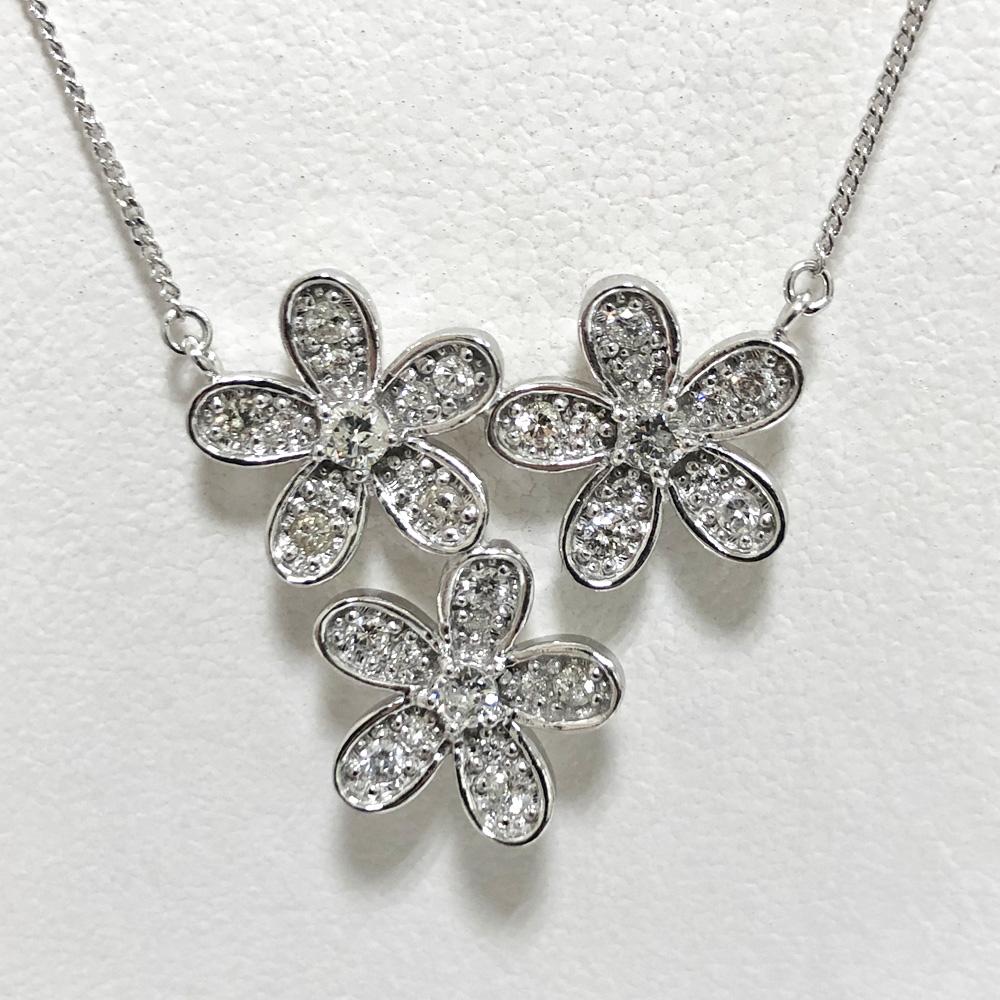 【中古】K18WG ダイヤ ネックレス フラワー D 0.263×3