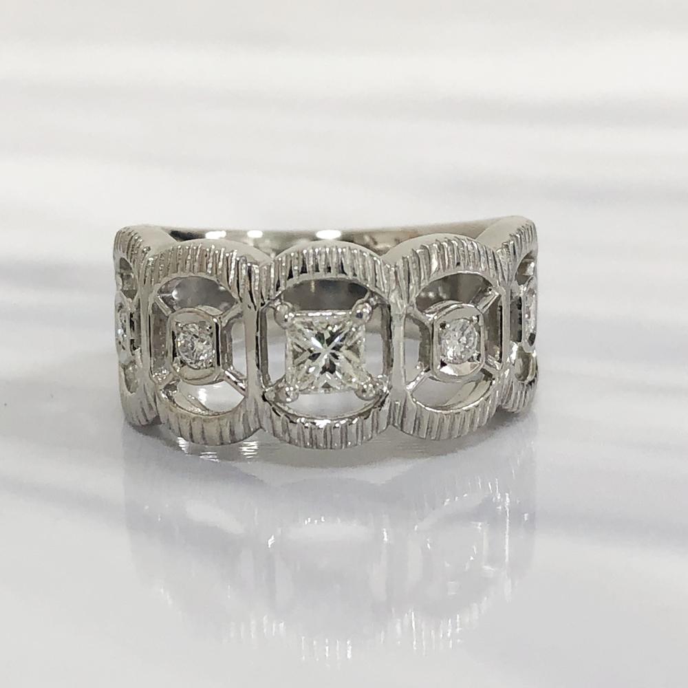 【中古】Pt900 ダイヤ アンティーク デザインリング 指輪 レディース ジュエリー ダイヤ0.25ct 0.15ct 10.9g 11号