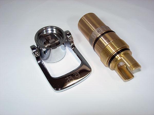 LIXIL、INAX 水栓部品、プッシュ式自閉水栓用ピストンカートリッジ(プッシュレバーが上部吐水口に付く手洗用)