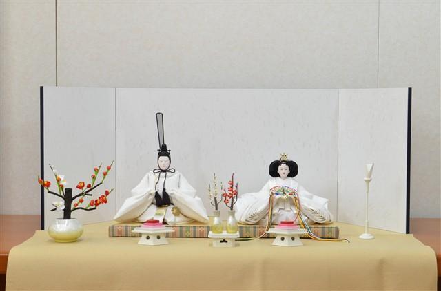 ひな人形 きよら スノーホワイト コンパクト中型 フルタイプ 親王毛せん飾りkw38kh 132045