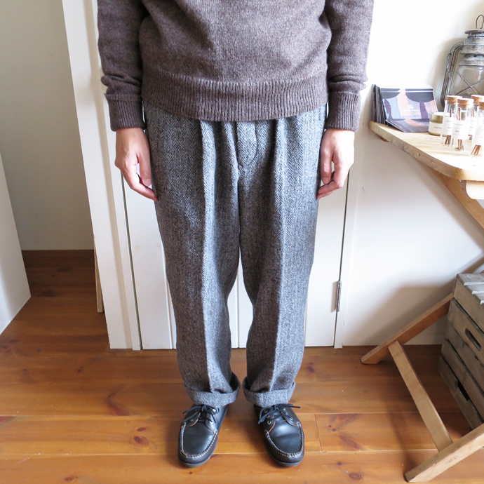 ENDS and MEANS Wool Relax Fit Trousers エンズアンドミーンズ ウール リラックス フィット トラウザー