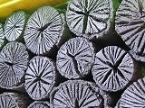 茶道木炭、菊花炭、Lサイズ、10kg、15cm直10cm、x4-40kg、、超大型クヌギ  黒炭の最高峰といわれるクヌギ炭は、火付きが良く火力があります。切り口が菊の花の様に美しく昔から茶道用として愛されています。炭火で沸かしたお湯は穏やかな時がすごせます。