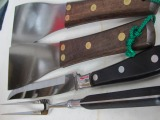 カービングナイフ、フーシェット、ワイドステーキ返し30x90mm2枚、鉄板こすり1台B,セット販売、ブラック、鉄板焼きステーキ職人セット  このセット1つで、プロの鉄板職人さんの必要な物がそろいます。