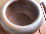 窯肌信楽焼火鉢、8号(W250×H210)火箸25cm 底白砂1kg、底ネンド1kg、備長炭500g付き