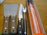カービングナイフ,フーシェット、ステーキ返2枚、スチール棒1,4点セット、黒、業務プロ用、鉄板焼き、ステーキ職人用 このセット1つで、プロの鉄板職人さんの必要な物がそろいます