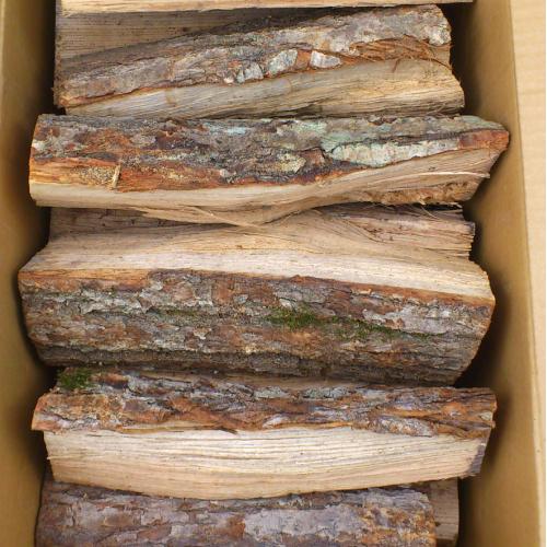 薪 しらおい乾燥薪(ナラ薪)20kg // 北海道産/箱入/ 薪ストーブに最適な30cm/ しっかり乾燥させてお届けします。キャンプ・アウトドア・ピザ窯に最適! 自然乾燥 燃料/