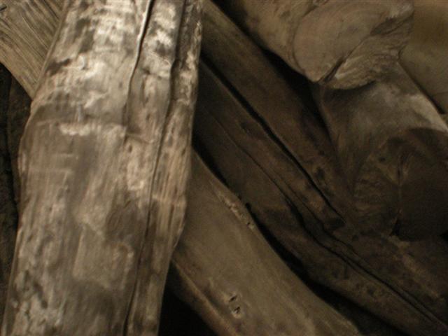 弾きの少ない天然 備長炭 羅宇(らう)/ラオス 備長炭 切太丸 15kg 【プレゼント対象商品】【あす楽対応】