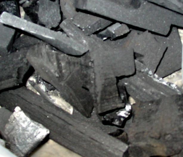 工業用木炭~2番目に安い~(マレーシア産)約13Ton(40フィートコンテナ国内主要港渡し)