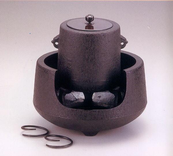 【送料無料】南部鉄器 茶の湯釜 肩付筒銅蓋付