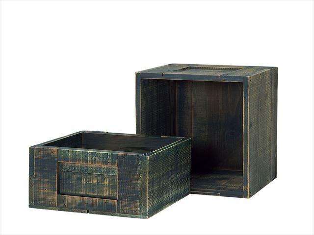 昔懐かしい古民家をイメージし 日本製 特価 素朴で温かな什器を作りました ほんのりと艶を感じる色や 少し無骨な手触りは 長い年月を経て囲炉裏のすすが作り出す深みのある艶を表現しています ダークブルー 大 杉 木箱