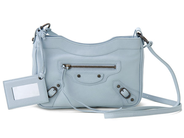 66d2ffb49605 Leather is also a functional bag hung from the shoulders if you add a  shoulder strap