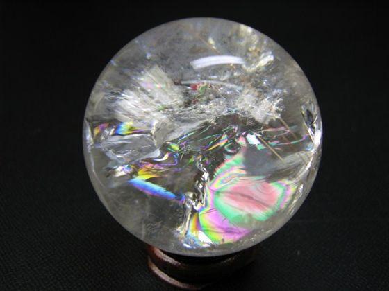 【球体】レインボー水晶Φ48mm木製台座付き【針入り】