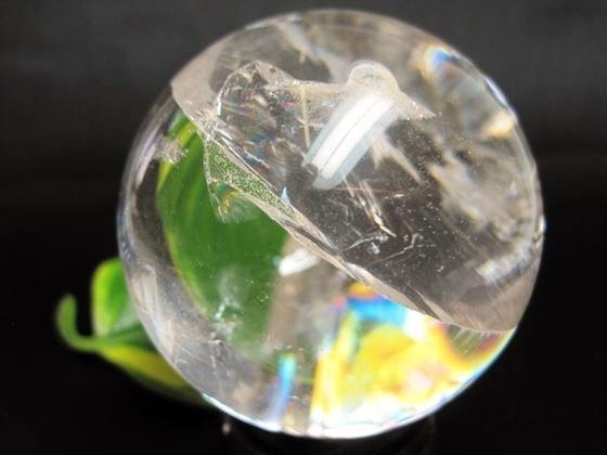 【球体】レインボー水晶Φ63mm木製台座付き