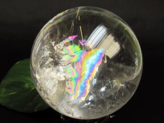 【球体】レインボー水晶Φ75mm木製台座付き
