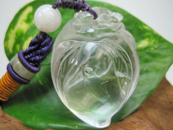 【飾り物:桃・如意・蝙蝠】水晶48g【水入り】