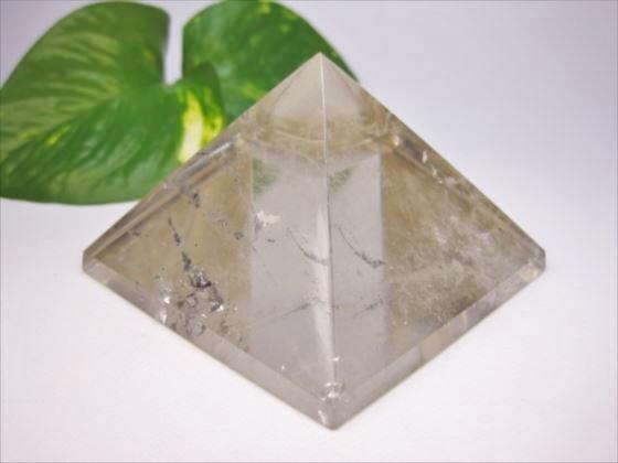 【ピラミッド】スモーキークォーツ79×51mm【鉱物入り】