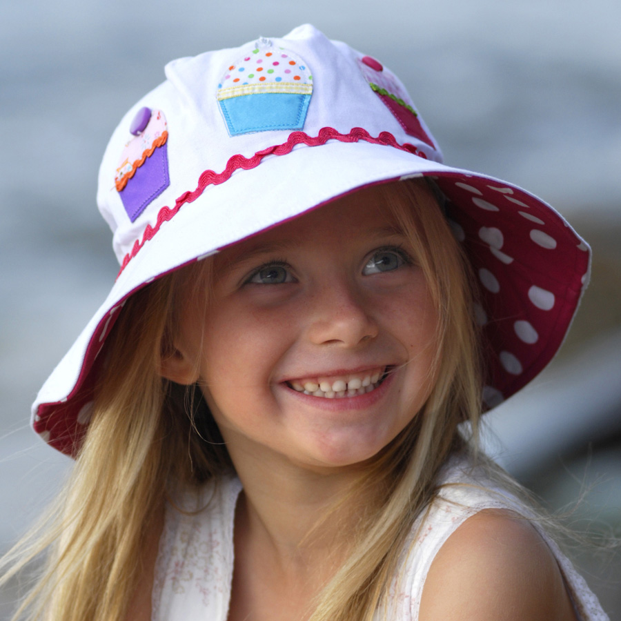 Sun hat - Children s hat - Wide Brim Applique Hat Cupcake UPF50+ EXCELLENT  PROTECTION which blocks  97.5% of the sun s UV radiations giving excellent  ... 386d2a4bd82