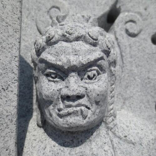 不動明王立像 白御影石G633 石仏 仏像 御影石 厄難除災の仏様 仏像 不動明王 立像 彫刻品 石仏 (高さ65cm)