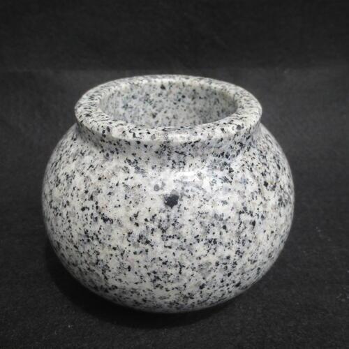 水鉢(みずばち) 御影石だから倒れない 割れない ご先祖様に高級水鉢でお水を!送料無料