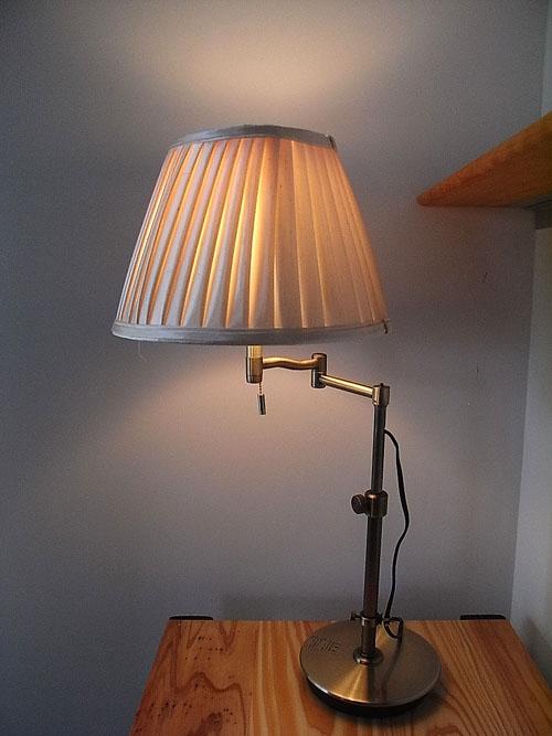 Antique Style Lightings布シェードのテーブルランプベージュ色