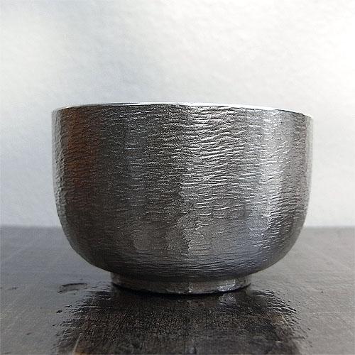 贈物 日本製 錫 流行 鋳肌鎚目平炭谷三郎商店 錫の酒器ぐい呑み
