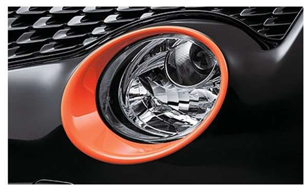 『ジューク』 純正 YF15 ヘッドランプフィニッシャー ※ディーラーオプション専用色:オレンジレーシング BANW5 パーツ 日産純正部品 JUKE オプション アクセサリー 用品