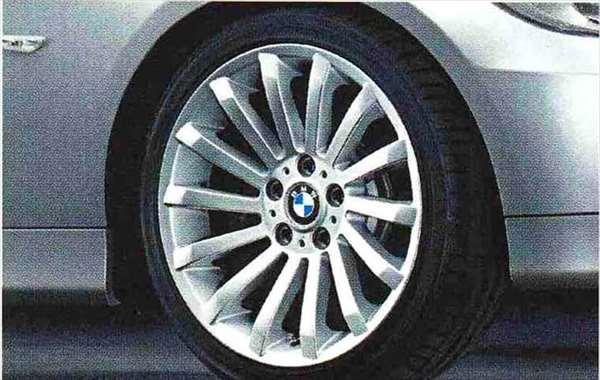 3 COUPE・CABRIOLET パーツ ラジアルスポーク・スタイリング196のホイール単体 8.5J×18(リヤ) BMW純正部品 KE25 KD20 KE25 KG35 DX35 オプション アクセサリー 用品 純正 送料無料