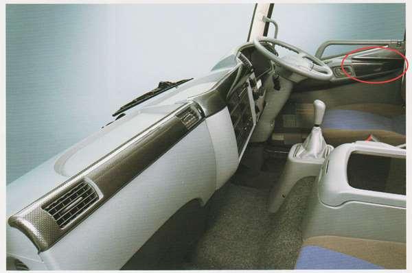 ファイター パーツ カーボン調パネル ドアトリム部 ※セットではありません 赤○商品のみです 三菱ふそう純正部品 FK71 FK61 FK72 FK62 オプション アクセサリー 用品 純正 パネル