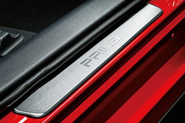 『プリウス』 純正 ZVW51 ZVW55 スカッフプレート(ステンレス) パーツ トヨタ純正部品 ステップ 保護 プレート オプション アクセサリー 用品