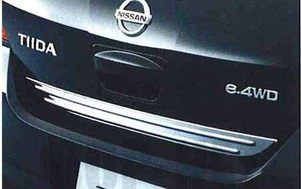 『ティーダ』 純正 HR15 MR18 バックドアガーニッシュ(メッキ仕様) CMME0 パーツ 日産純正部品 ワンポイント パネル カスタム TIIDA オプション アクセサリー 用品