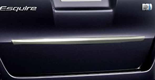 『エスクァイア』 純正 ZWR80G メッキ リヤガーニッシュ パーツ トヨタ純正部品 esquire オプション アクセサリー 用品